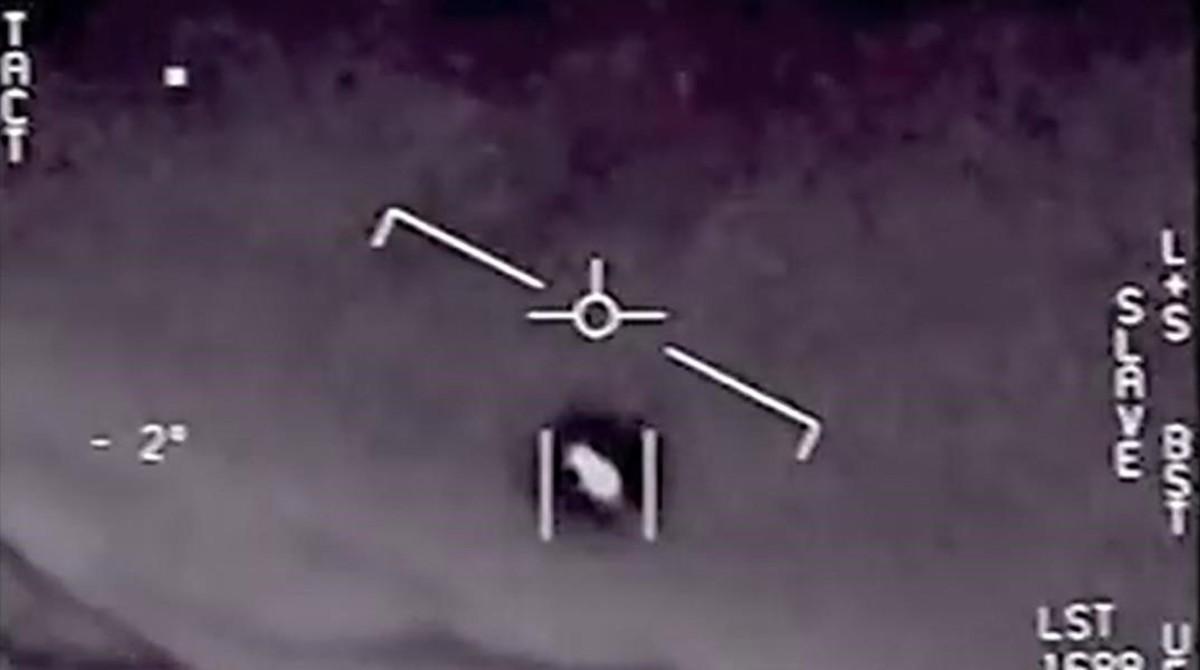 Extraño objeto divisado por un piloto de combate de EEUU frente a las costas de California.