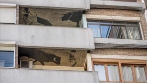 Dos de los balcones de la Casa dels Brauscon fotografías sobre tauromaquia de Francesc Català-Roca.