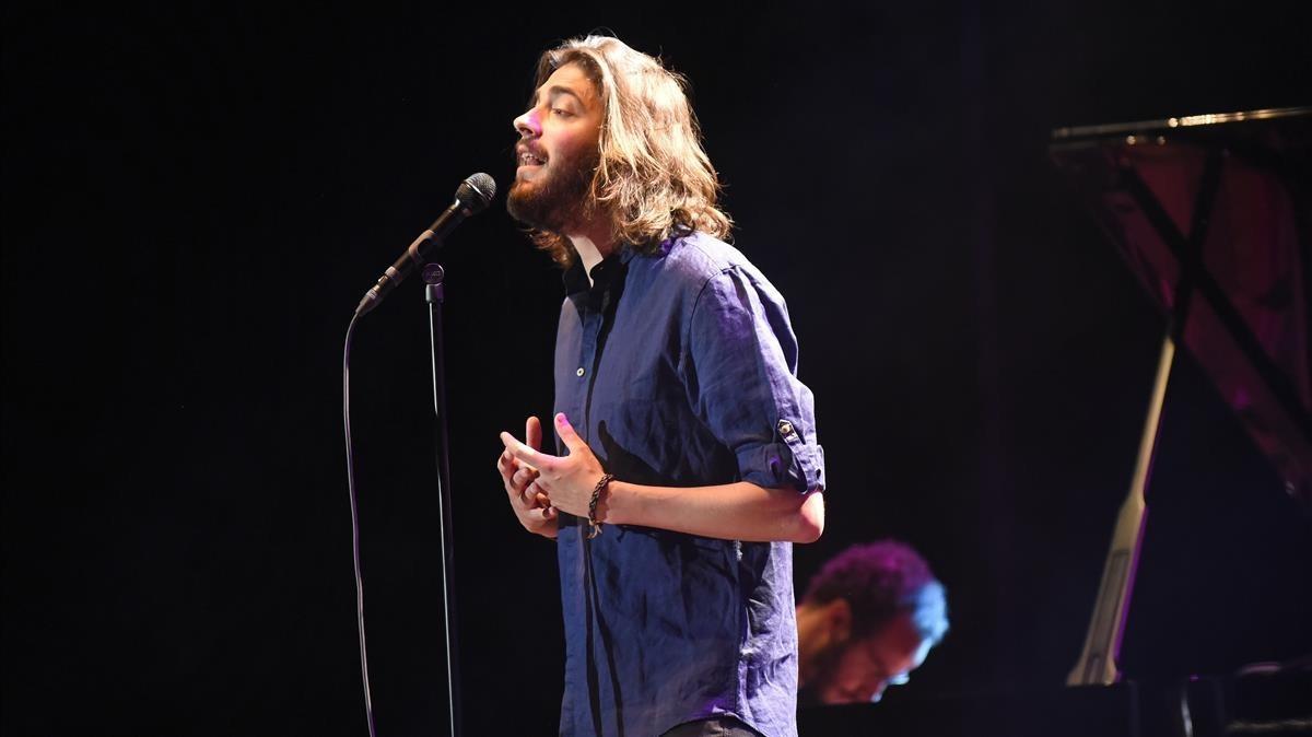 Salvador Sobral, durante el concierto del jueves en el Festival Jardins de Pedralbes.