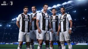 La caratula con la Juventus: Can, Chiellini, Cristiano, Dybala y Costa.