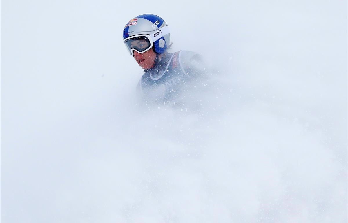 Ester Ledecka de la República Checa tras terminar su carrera en el campeonato del mundo de esquí alpino que se celebra en Suecia.