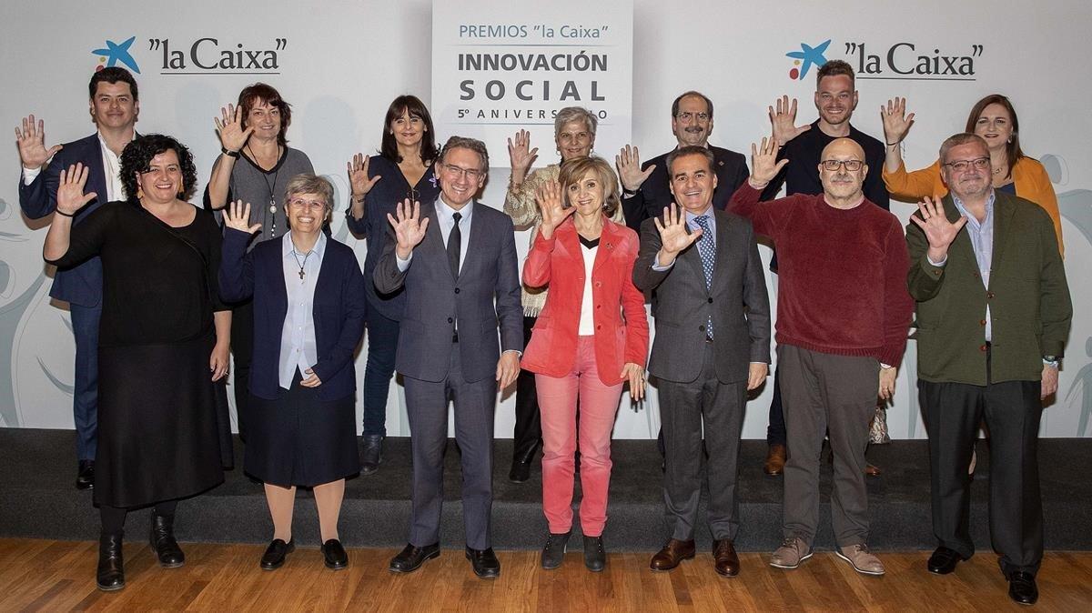 Entrega de los Premios a la Innovación Social 2018, este jueves, con la ministra de Sanidad, María Luisa Carcedo.