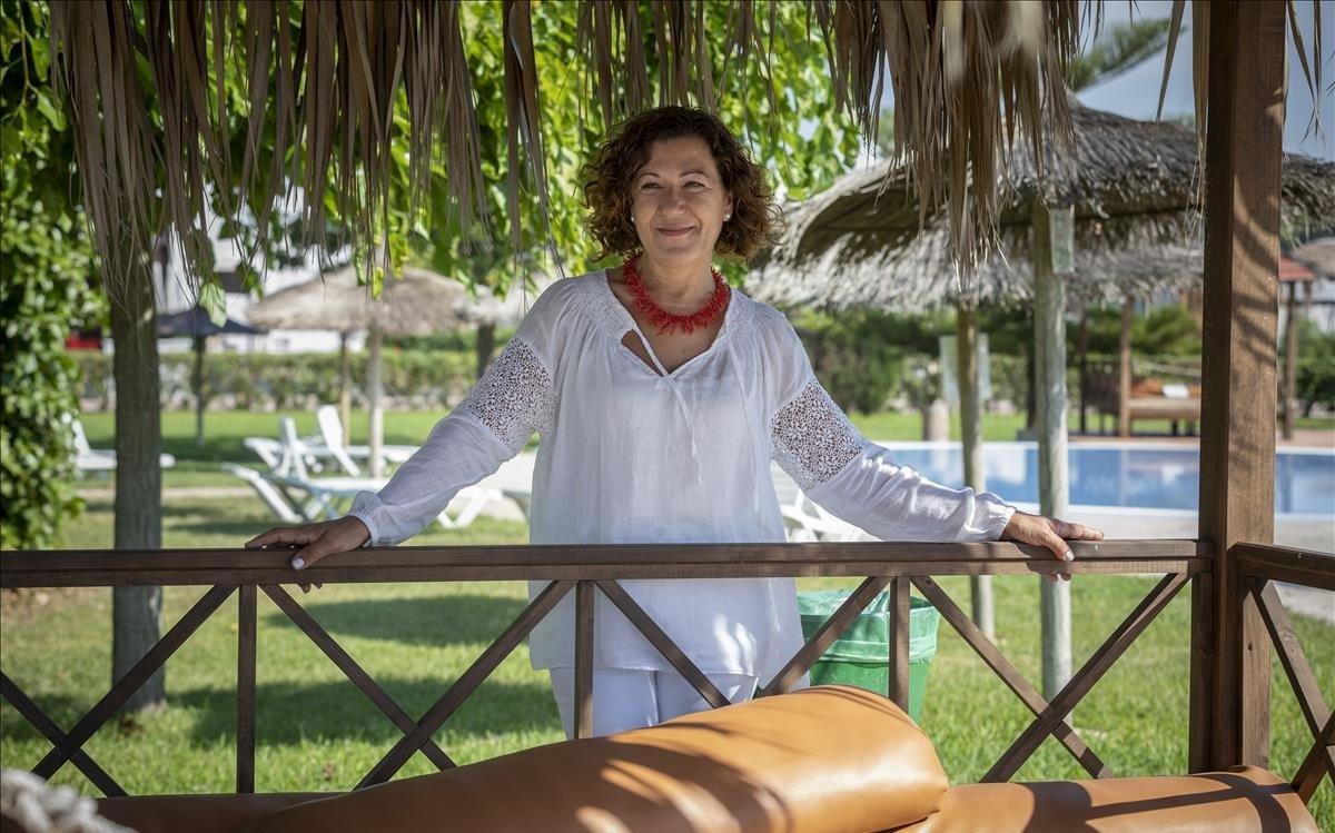 Àngels Ferré,presidenta de Campings del Mediterráneo, en el camping Devesa Gardens deEl Saler (València).