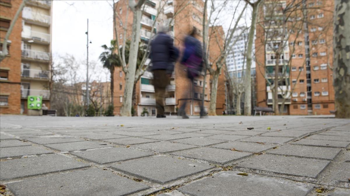 Zona en la que confluyen las calles de la Energia y de la Mecànica, donde se produjo la agresión a unos'menas' hace unos meses.