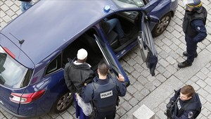 mbenach31877499 police officers arrest a man in saint denis a northern subu170905194401