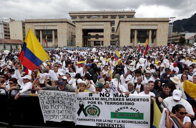 Colombia: Ciudadanos rechazan el terrorismo y la violencia en su país