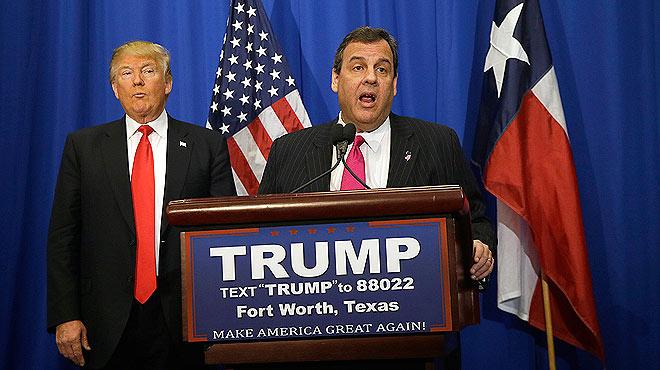 Chris Christie,gobernador de Nueva Jersey, da su apoyo a Donald Trump.
