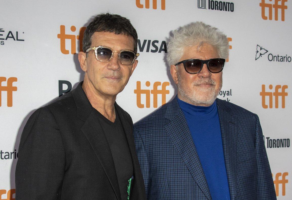 Almodóvar expresó su satisfacción de compartir con el actor la presentación de Dolor y gloria en el festival de Toronto.