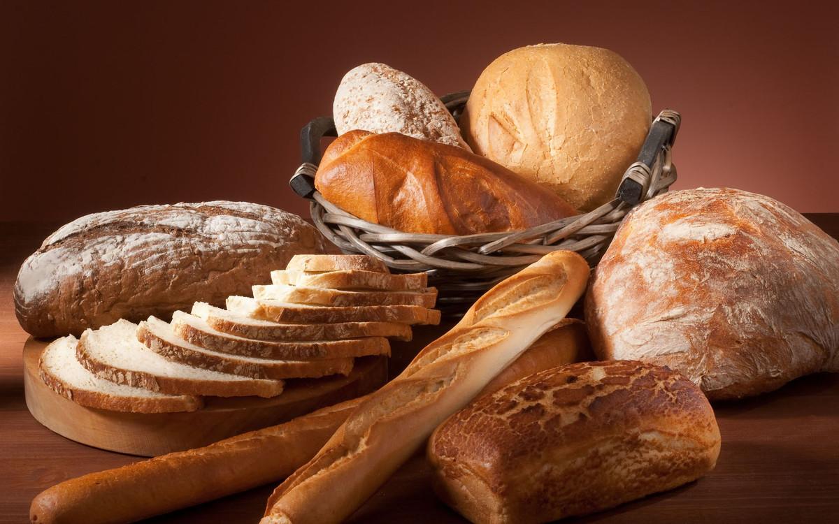 Bodegón de panes.