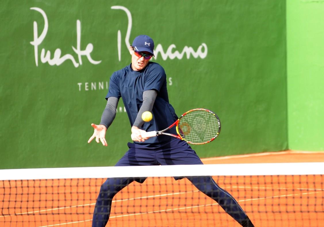 Jamie Murray, que jugará el partido de dobles con Gran Bretaña, entrena en Marbella.