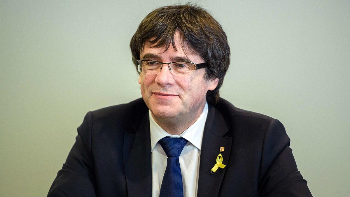 Carles Puigdemont, durante una reunión en Berlín con diputados de Junts per Catalunya.