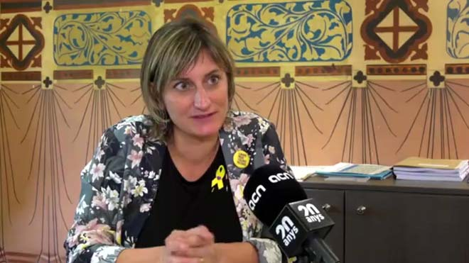 La consellera Alba Vergés, apuesta por eliminar las marcas de los paquetes de tabaco y dice que la industria, al final, se ha de adaptar a las normas con criterios de salud pública.