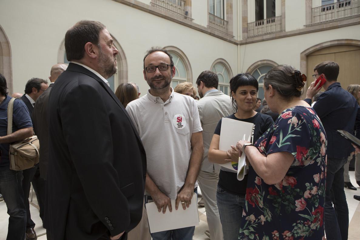 Oriol Junqueras, Benet Salellas, Anna Gabriel y Gabriela Serra en la presentación de la ley del referéndum en el auditorio del Parlament.