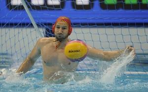 Dani López Pinedo, en acción, en el partido por el tercer puesto de la Liga Mundial contra Japón