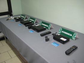 Cop a una xarxa de distribució de descodificadors pirates de televisió: sis detinguts