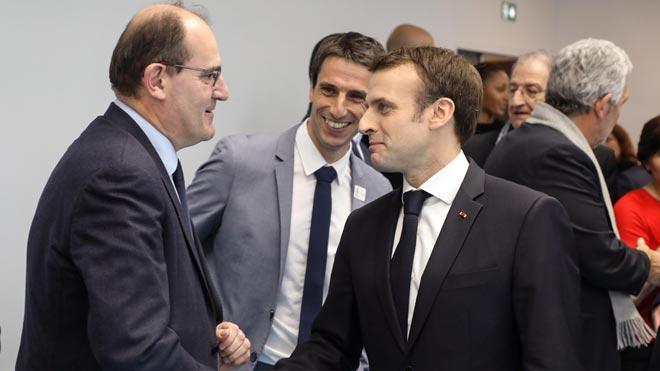 Dimite el Gobierno francés en bloque para facilitar una renovación. En la foto, Jean Castex, nuevo jefe del Ejecutivo francés, junto a Emmanuel Macron.