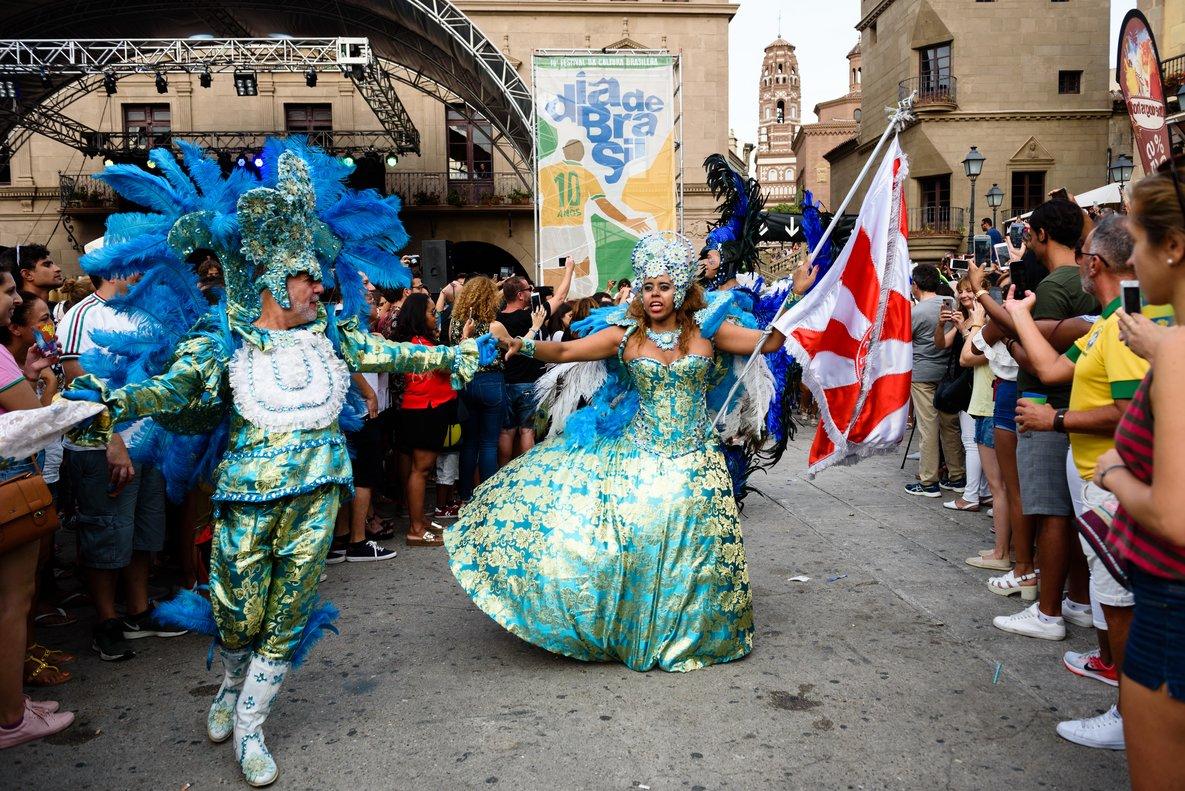 El Poble Espanyol se convertirá hoy en un auténtico Carnaval.