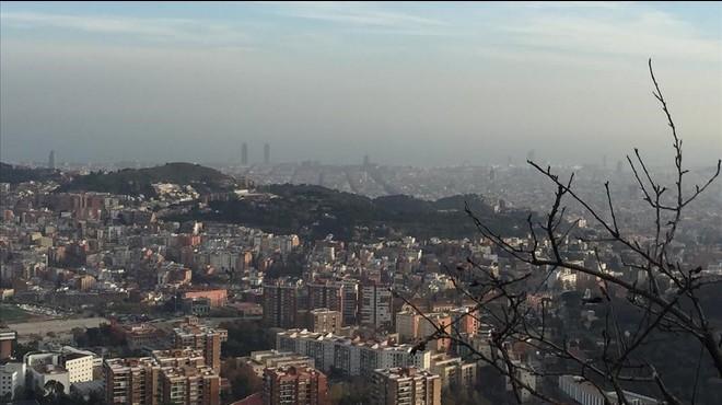 Territori mantiene activado por segundo día el preaviso por contaminación en Barcelona