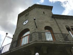 Fachada del Ayuntamiento de Parets del Vallès.