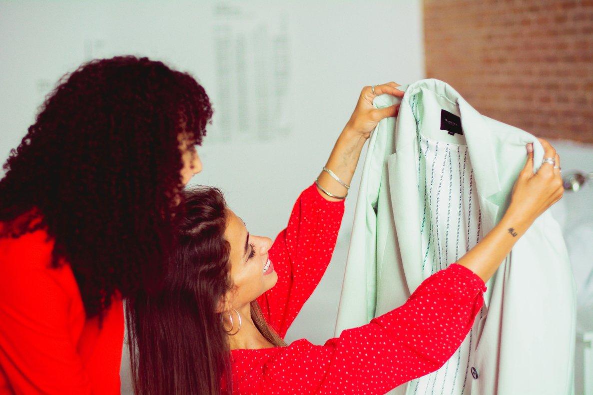 El fashion sharing permite alquilar prendas y, posteriormente, cerrar la compra si el producto gusta.