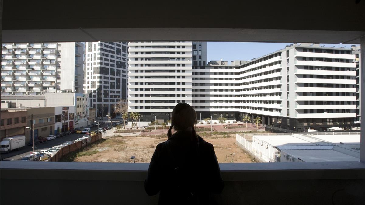 Promoción de un centenar de pisos sociales en Diagonal Mar.