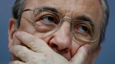 A Florentino le siguen lloviendo los golpes