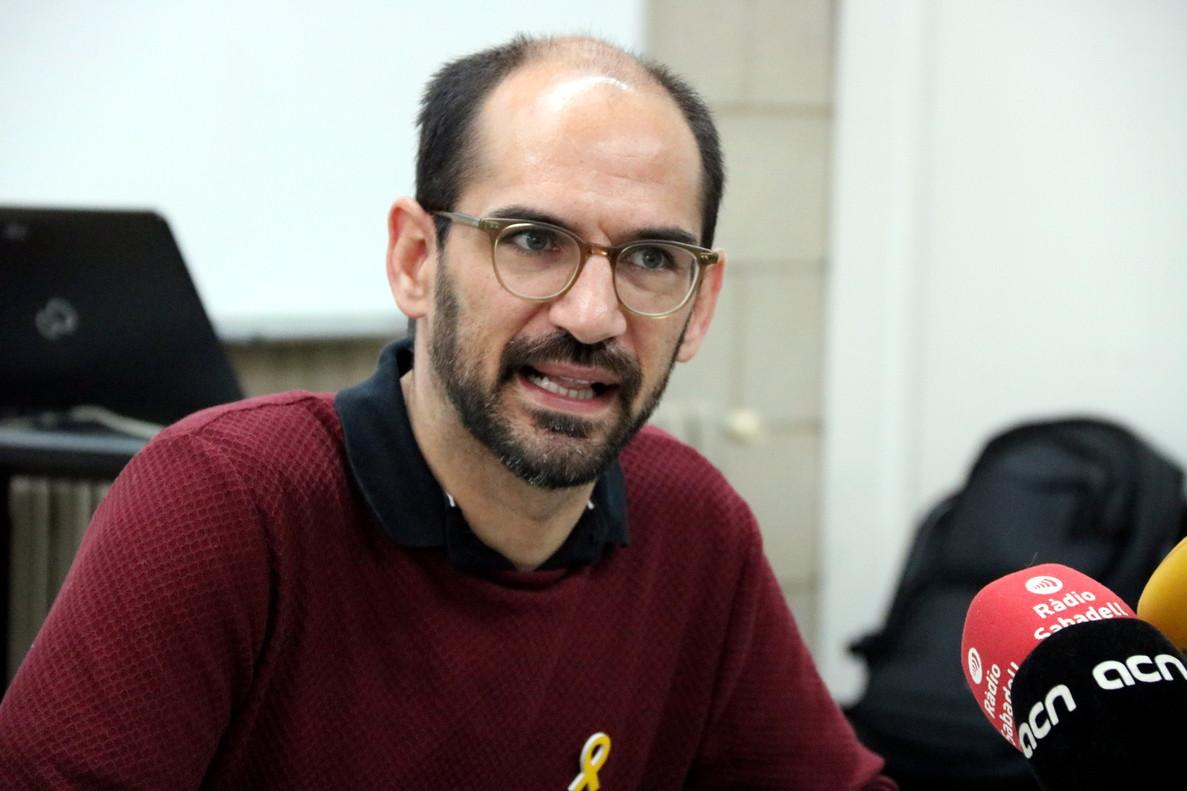 Maties Serracant, alcalde de Sabadell, en roda de premsa.