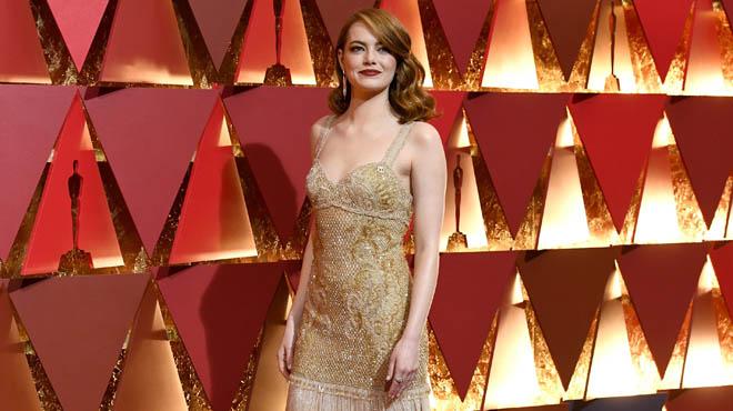 En la alfombra roja de los Oscar han dominadolos colores neutros, como los que halucido Emma Stone