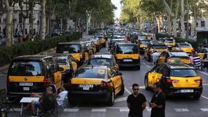 Huelga de taxistas en la Gran Vía de Barcelona