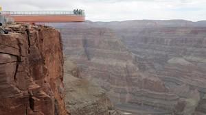 Turistas en el Gran Cañón del Colorado.
