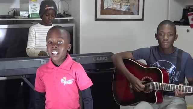 Los Melisizwe Brothers cantan Ill be there, de los Jackson 5.