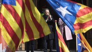 Imagen de archivo de Artur Mas saliendo del Palau de Justícia después de declarar