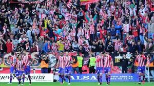 Imagen de la grada de El Molinón en un partido del Sporting.