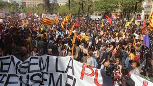 Inicio desde plaça Universitatde la manifestación de estudiantes del pasado abril.