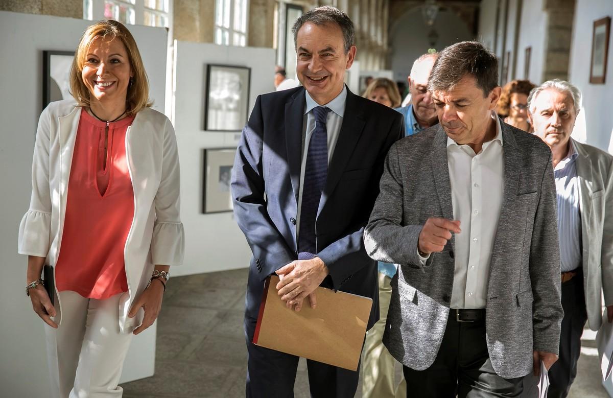 José Luis Rodríguez Zapatero junto al rector de la Universidad Complutense de Madrid, Carlos Andradas en los cursos de verano de El Escorial.