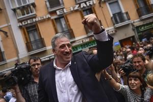 """EH Bildu coloca las dos primeras placas """"de recuerdo y homenaje"""" a las víctimas de ETA en Pamplona"""