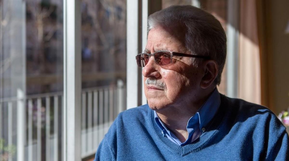 Josep Fontana, en su casa del barrio de Poble-sec.