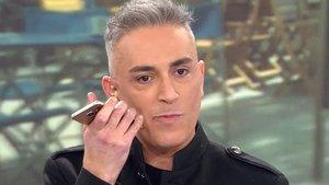 Kiko Hernández, a punt de filtrar per error el telèfon de Carmen Borrego: «¿S'ha sentit tot?»