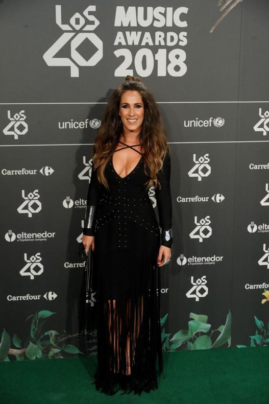 Malú posa a su llegada a la cena de Nominados de Los 40 Music Awards.