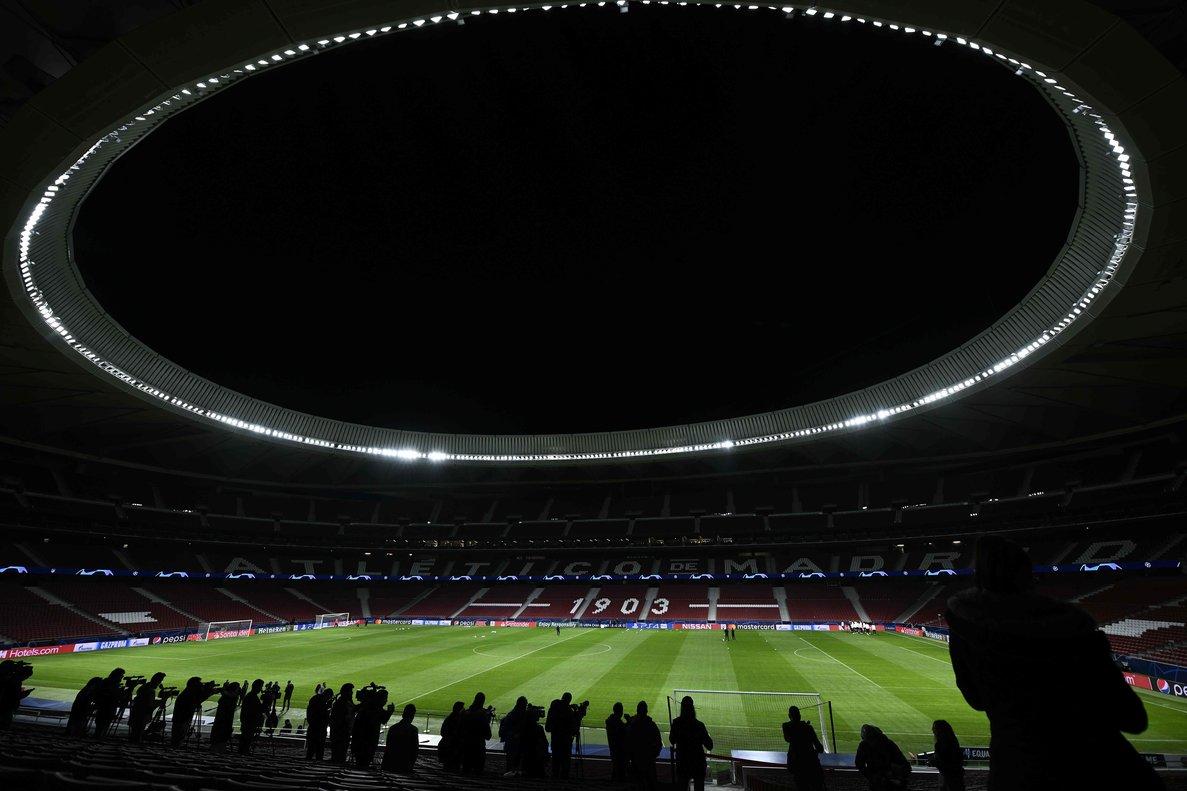 El columbari blanc-i-vermell es trasllada a l'estadi Metropolitano