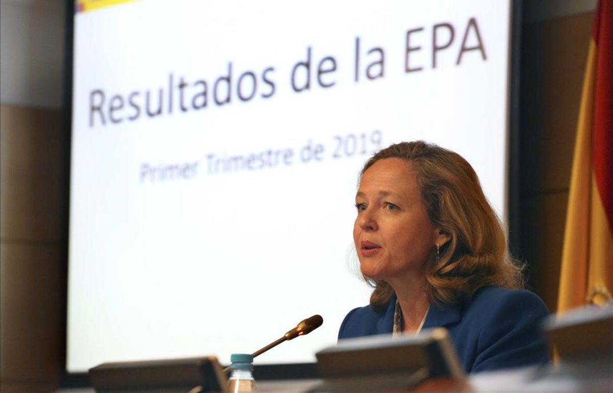 La ministra de Economía y Empresa, Nadia Calviño, explica los resultados de la EPA del primer trimestre del 2019.