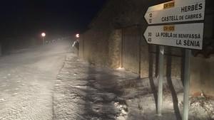 Una imagen de la nevada, la noche del lunes, en Castellón.