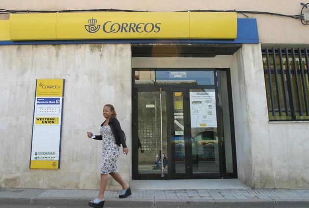 Correus una carta de sants al baix guinard triga 14 dies for Oficina correus barcelona