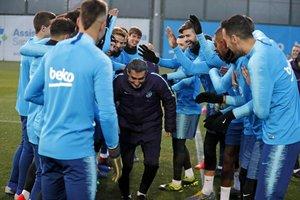 La plantilla del Barça felicita de forma especiala Valverde, que celebra los 55 años.
