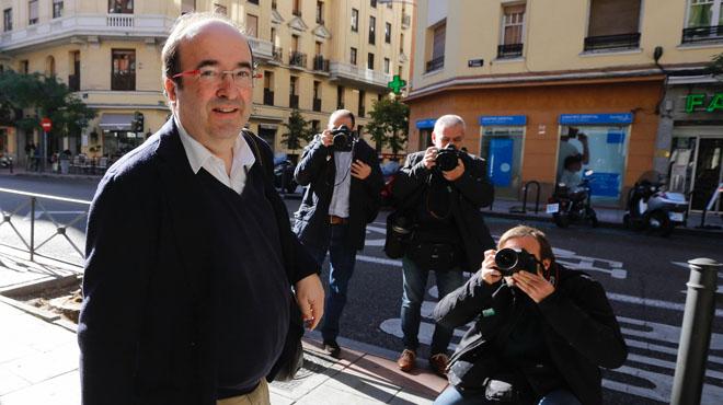 PSC y PSOE crearán una comision para dilucidar sus diferencias.