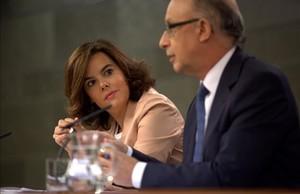Sáenz de Santamaría y Montoro, en la rueda de prensa del Consejo de Ministros del 30 de septiembre.