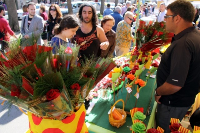 Una parada de rosas en la Rambla Nova de Tarragona.