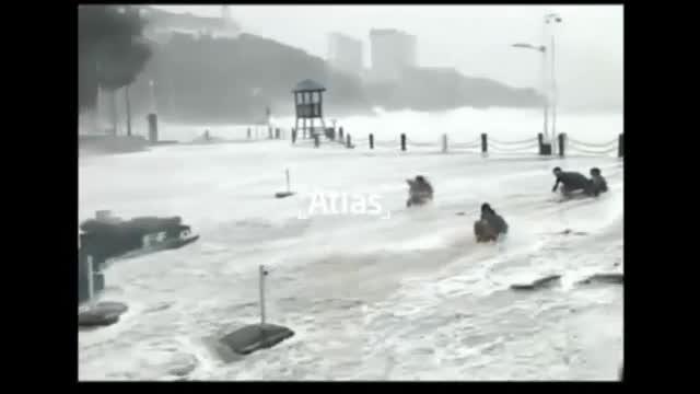 El tifón 'Hato' causa al menos 7 muertos en el sur de China