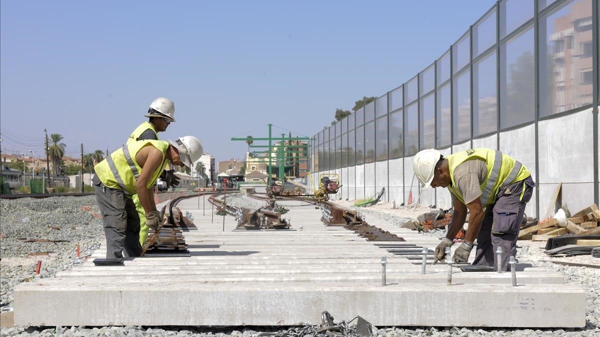 Trabajos en el entorno de la estación de Murcia