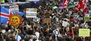 Una imagen de la concentración del pasado 25 de septiembre en el marco de la iniciativa 'Rodea el Congreso'. EFE / JUANJO MARTÍN